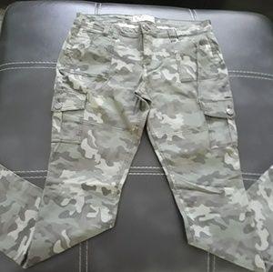 Women's Camouflage Lowrise Skinny Pants